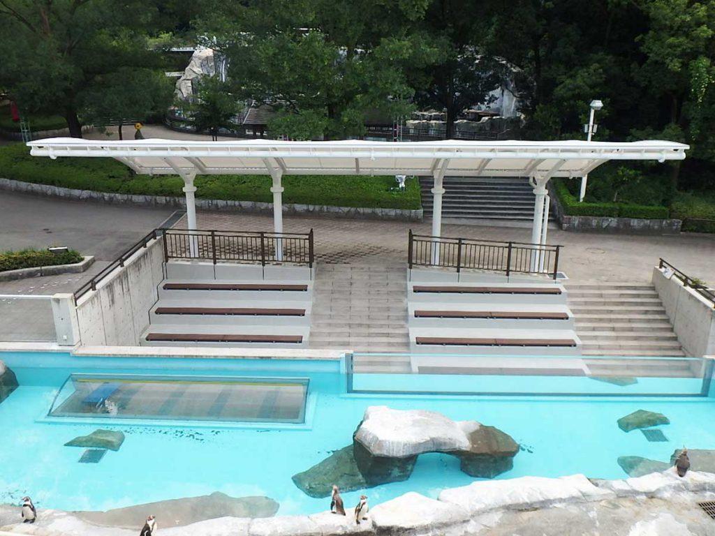 とべ動物園ペンギン舎